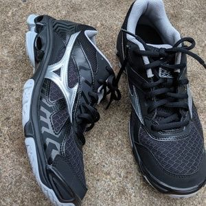 NWOT Mizuno Wave Bolt 7 Running Sneakers Size 9M